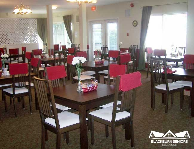 Blackburn Seniors Home Ottawa Dining Lounge